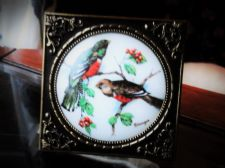 VINTAGE LIMOGES PORCELAIN MINIATURE PAINTED EXOTIC BIRDS IN DANISH GILDED FRAME